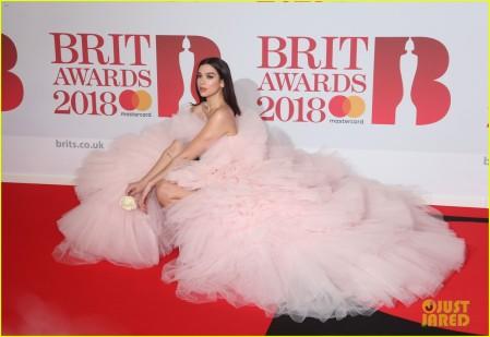 dua-lipa-brit-awards-2018-01